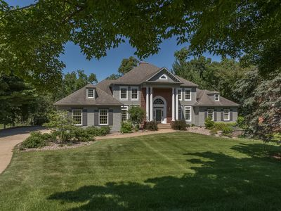 Photo for Luxury Golf Course Property, Pool, private estate setting, close to Mayo Clinic