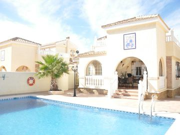 VILLA NEAR SEA, AIR CONDITIONING, WIFI, PRIVATE SWIMMING POOL 10 * 5