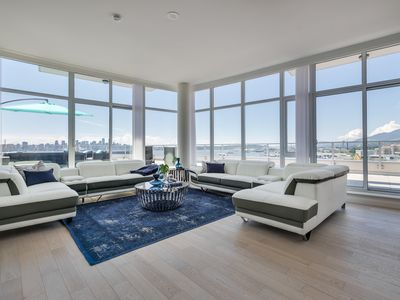 Photo for Waterfront Penthouse at the Pier