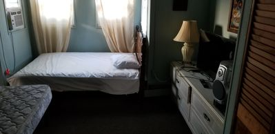 Photo for Upstairs 1BR Home near ConvCntr, Boards & Beach w Sundeck, SmartTV,WIFi & Stereo