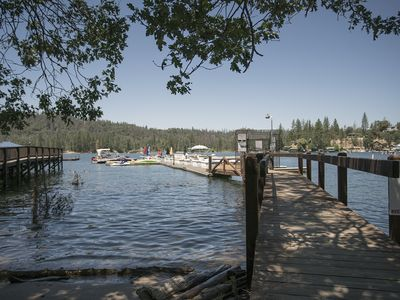 Photo for Cozy Bass Lake house with boat slip close to Yosemite!