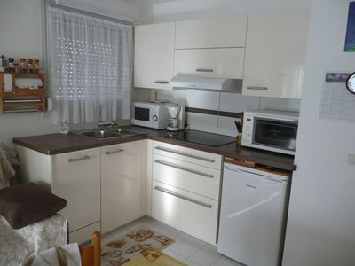 Photo for Apt T2. Very comfortable and bright. Near downtown / train station, quiet (rock)