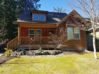 Photo for Resort Style Cottage at Cultus Lake - ++ amenities