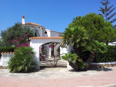 Photo for Dreamhouse with 4 terraces, BBQ und beautiful garden, waterfront