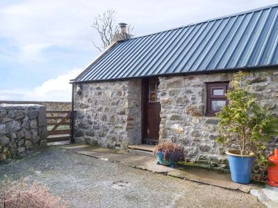 Photo for THE BOTHY, pet friendly in Bridge Of Marnoch, Ref 948998