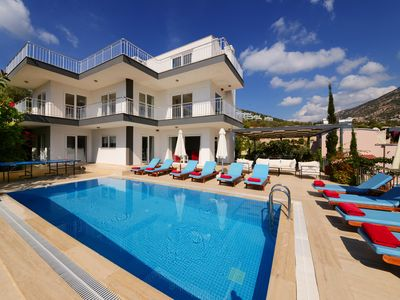 Photo for Private Pool and Sea Views