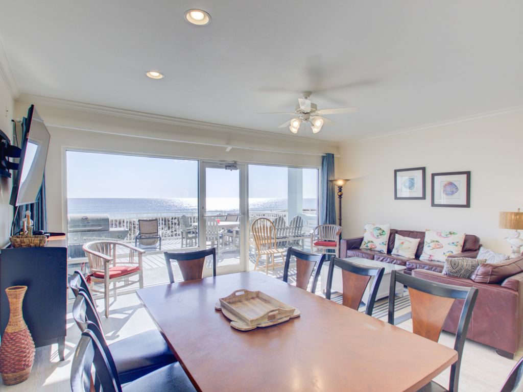 Bright And Sunny Gulf Front Townhome Steps From The Water