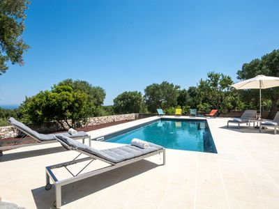 Photo for Luxury Villa with Wi-Fi, Air conditioning, Garden, Terrace and Pool; Parking available; Pets allowed