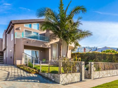 Magnificent, Contemporary, Sleek, Luxury, Minutes From Beach And Fun