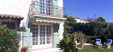 Photo for Charming Provencal house in private residence and secure.