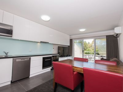 Photo for Horizons 518 - Modern apartment on the Lake Jindabyne foreshore