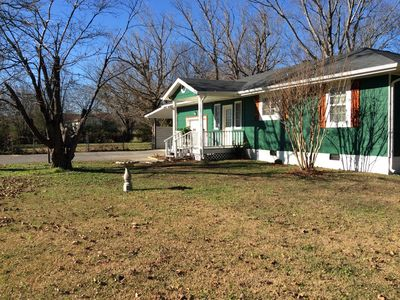 Photo for Cozy bungalow-lots of room, great yard, central located Chattanooga/Hixson area!