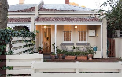Photo for Gorgeous central Subiaco cottage - walk to Kings Park, cafes, restaurants, train