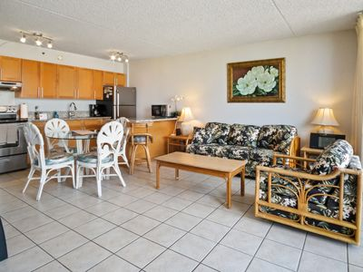 Photo for Darmic Waikiki Banyan: Part  Ocean View  |  20th  floor  |  1 bdrm  | FREE wifi and parking  | AC | Quality amenities |Only 5 mins walk to the beach!
