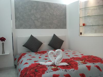 Photo for RED WI-FI FREE TULIP APARTMENT