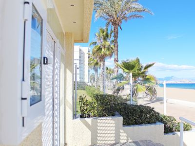 Photo for Duplex townhouse 1st line of the sea with pool and tennis