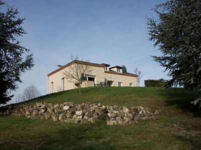 Photo for Gite Lisle-sur-Tarn, 5 bedrooms, 10 persons