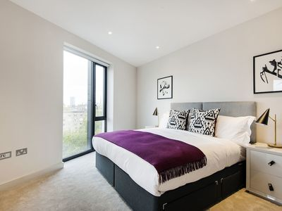 Photo for Contemporary Victoria Home by the River Thames