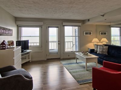Photo for Charming 1BR North Shore Inn Condo on World Class Lake Michigan Shoreline!