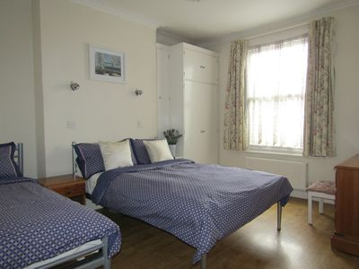 Photo for Quiet central Richmond location close-by station - LARKFIELD APARTMENTS