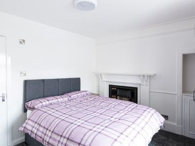 "Photo for ""Bluebell"" is a double bedroom with en-suite within Josie's House in Banff"