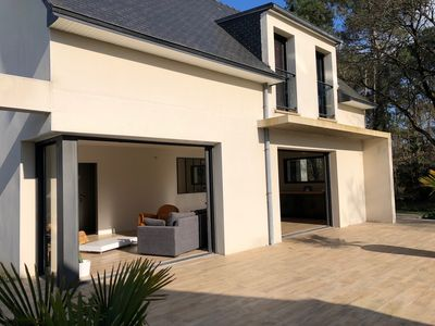 Photo for Modern family home in the heart of the Morbihan golf course 8/10 people 5 bedrooms