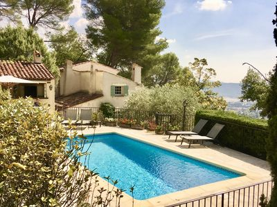 Photo for Spectacular Views, Pool & 5-Bedroom Family-Friendly Holiday Home in Provence