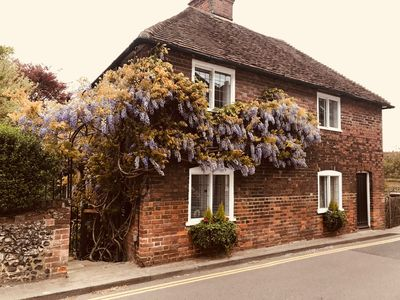 Photo for Cosy Village Cottage Great Price! London and the coast 30mins away