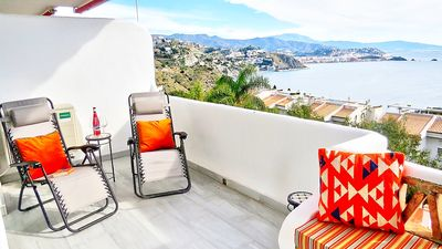 Photo for Beautiful 2 bedroom, 2 bath apartment with stunning views & 2 communal pools