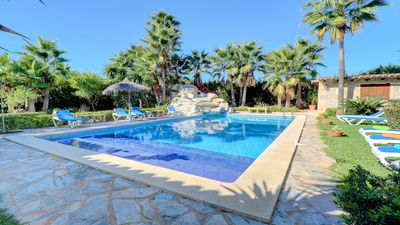 Photo for Large private villa, pool, spacious gardens