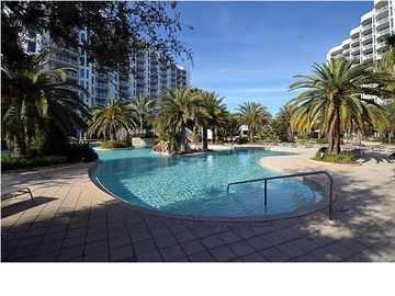 """Lets Geaux Crazy"" 2/2 5th Floor Jr Suite Pool View~10% Off with Online Booking"