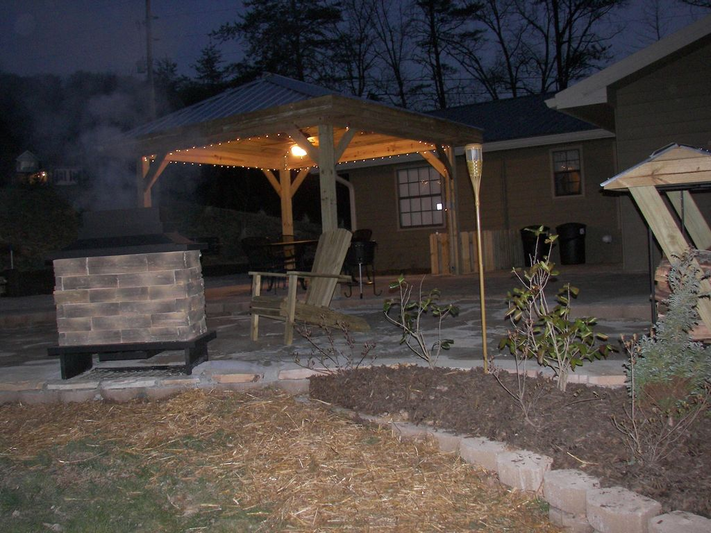 chattanooga private outdoor dining fireplace tub wifi lookout