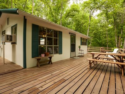 Adorable Cabin In Beautiful Private Wooded Surroundings!