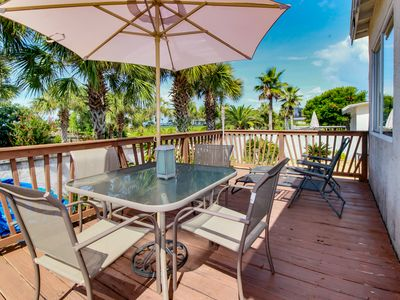 Photo for Beachside cottage with nearby ocean access, charcoal grill, cable and wifi!