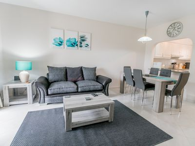 Photo for Recently Updated 2 Bed 2 Bath Ground Floor Apt South Facing,Wifi, Live UK TV