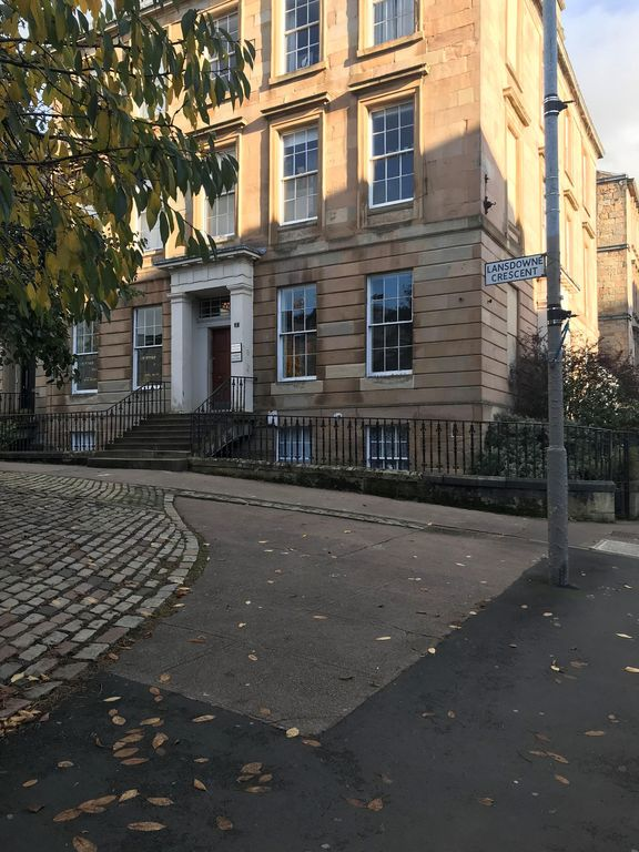 Garden flat west end hydro finnieston homeaway for Swimming pool west end glasgow