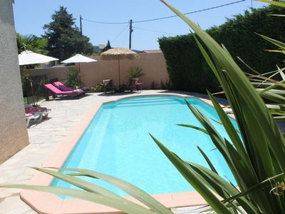 Photo for Large and spacious villa with pool, 5 minutes from the sea