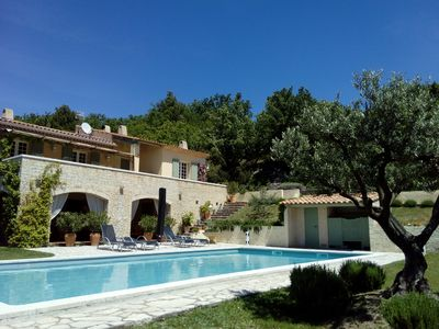 Photo for Beautiful charming gite, single storey for 7 people, pool, St Saturnin