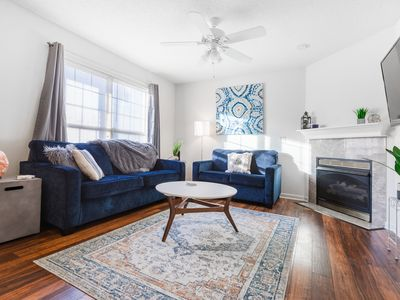 The Boho Experience✯2bed 2.5bath✯King Bed✯50 Smart TV✯Kid friendly