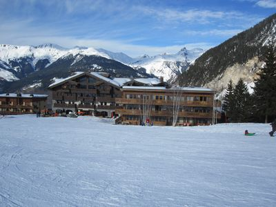 Photo for exceptional location, ski in ski out, the paradise white to consume