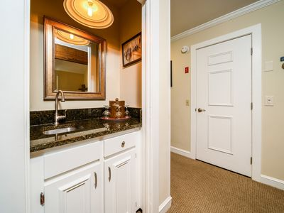 Photo for Stoweflake 3BR Townhouse with Resort Amenities