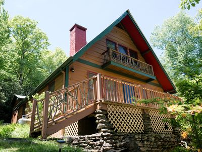 Photo for Cabin near Blowing Rock, fire pit, s'mores, breakfast, and VIEWS!!