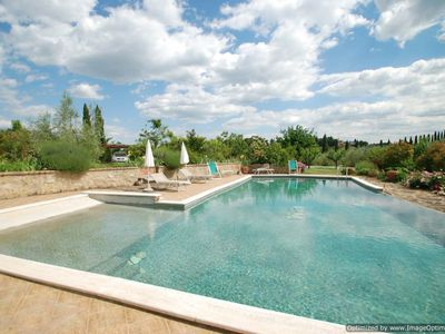 Photo for Rental Estate with pool near Siena in Tuscany