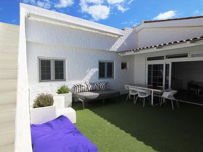 Photo for Bungalow with terrace and private solarium in Pasito Blanco