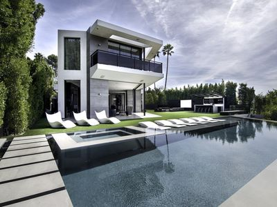 Photo for New Luxurious Beverly Hills Retreat Infinity Pool Amazing Views