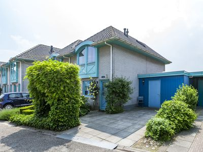 Photo for Charming holiday home in a small park on the Western Scheldt.