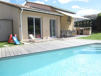 Photo for Nice house with heated pool and garden