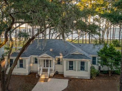 Photo for New! Luxury 5-bedroom Melrose Cottage with Pool Benefits and Cart