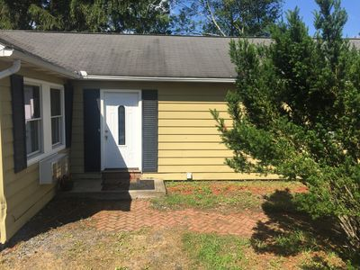 Photo for Perfect getaway! Cozy 3 BR Home great location, minutes from Waterparks