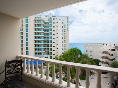 CARIBBEAN PARADISE... Affordable 2BR condo at Rainbow Beach Club on the shores of Cupecoy